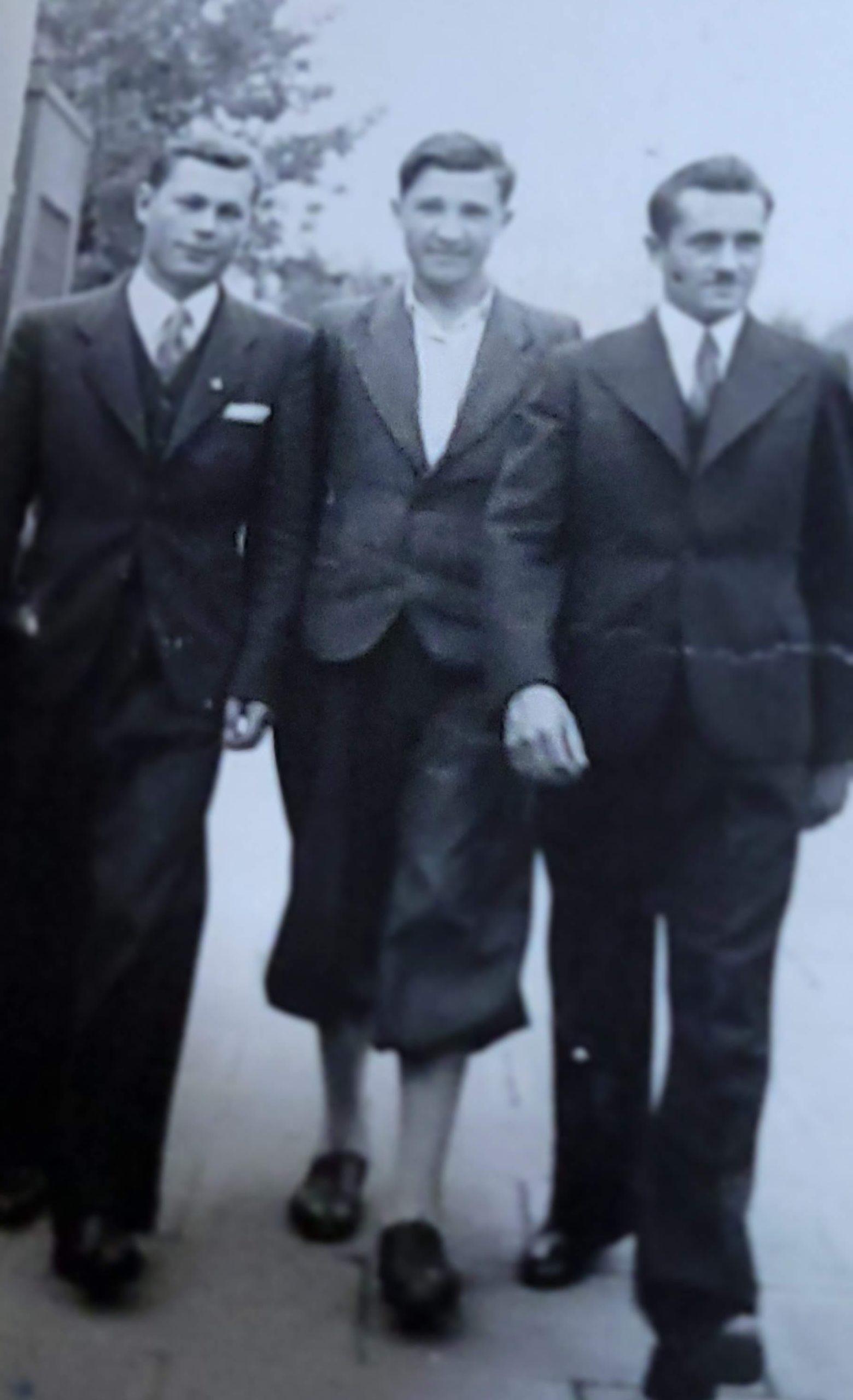 1930s, friends in Europe
